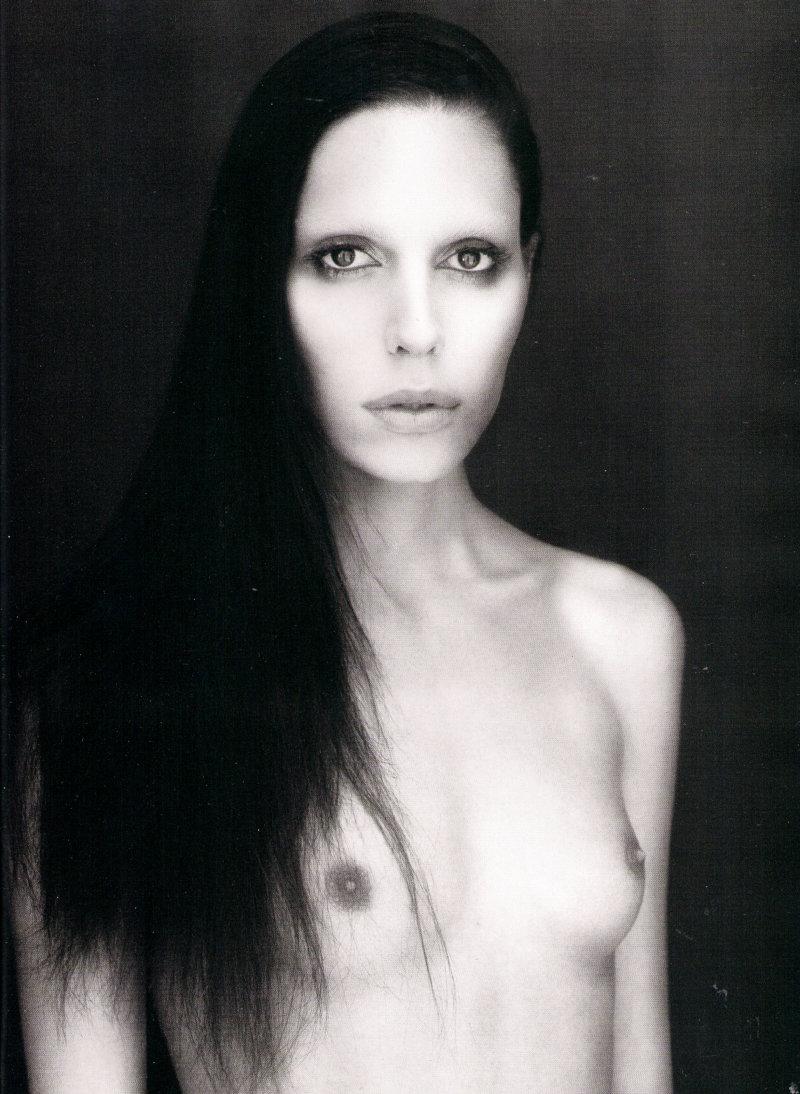 Transgender model lea t nude for