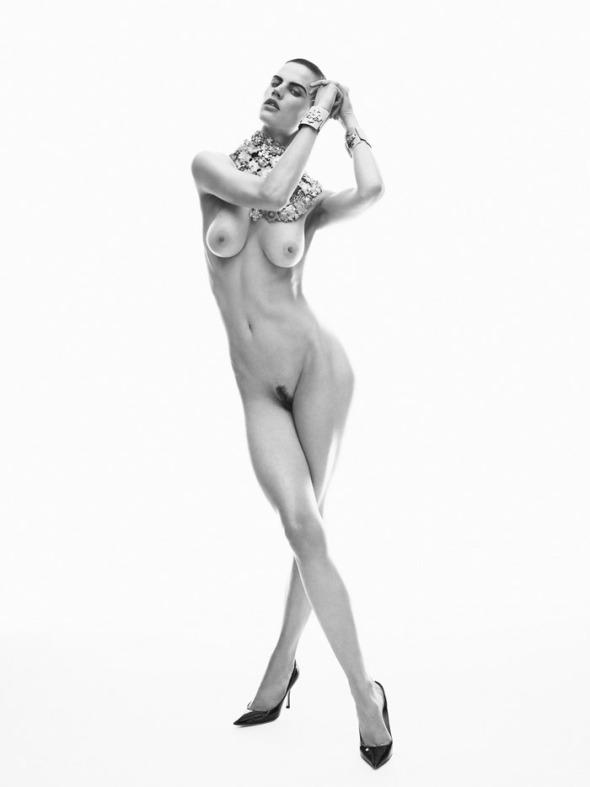 Saskia-de-Brauw-by-Josh-Olins-Baroque-Swirls-Industrie-4-Winter-2011-12