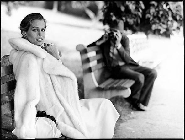 Lauren-Hutton-by-Arthur-Elgort